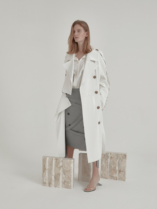 [신예은,유빈 착용] Fieno Oversized Trench Coat_White